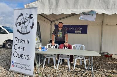Repair cafe tent
